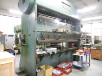 1965 VETRSON 150 TON STRAIGHT SIDE PRESS